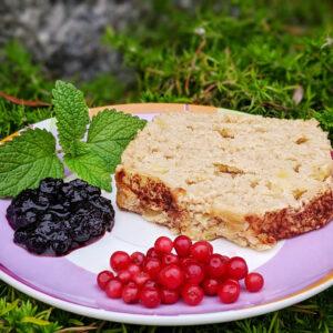Vegan apple plum cake