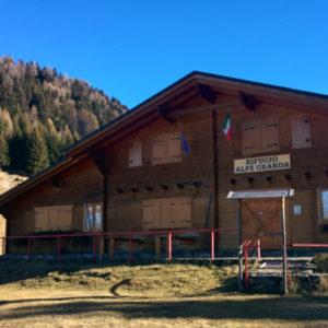 Escursione al Rifugio Alpe Granda. Partenza da località Valbione