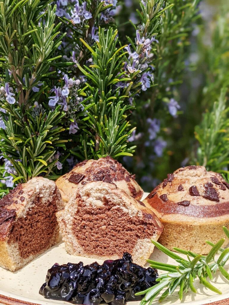 Muffin vegani variegati al cacao, senza glutine